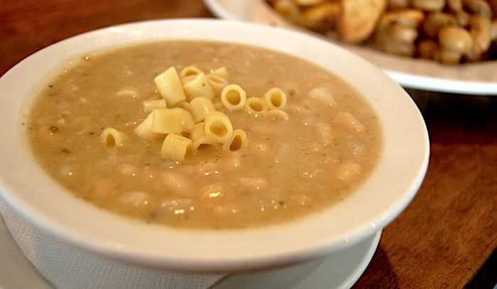 Zuppa di fagioli con pasta