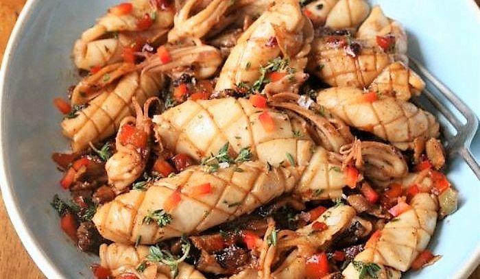 Calamaretti e seppioline ai peperoni