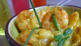 Gamberi al curry con uova di quaglia