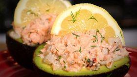 Avocado al salmone