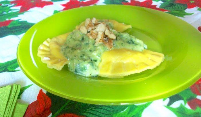 Mezzelune con robiola e zucchine
