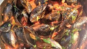 Zuppa di cozze e lumache di mare