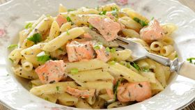 Mezze penne al salmone: invitanti, appetitose e ipocaloriche