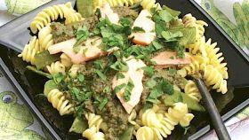 Eliche con purè di asparagi e salmone
