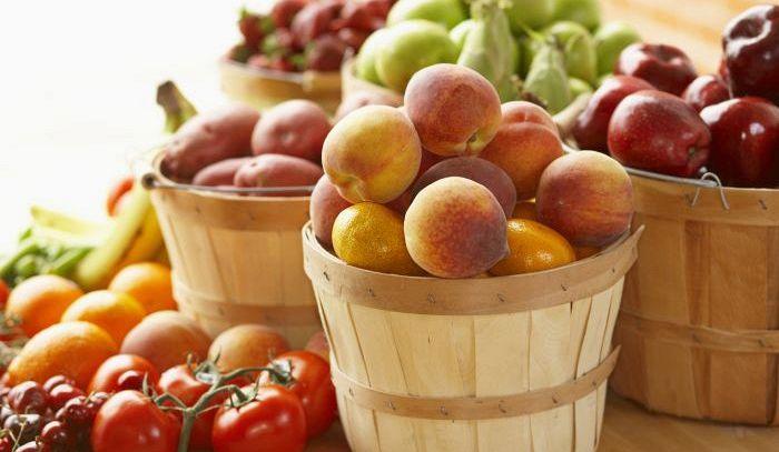 Frutta, quando mangiarla e come scegliere quella giusta