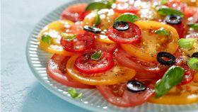 Insalata di pomodori al basilico