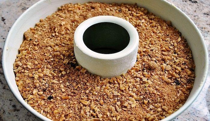 La torta di noci e caffè, una ricetta per tutte le stagioni