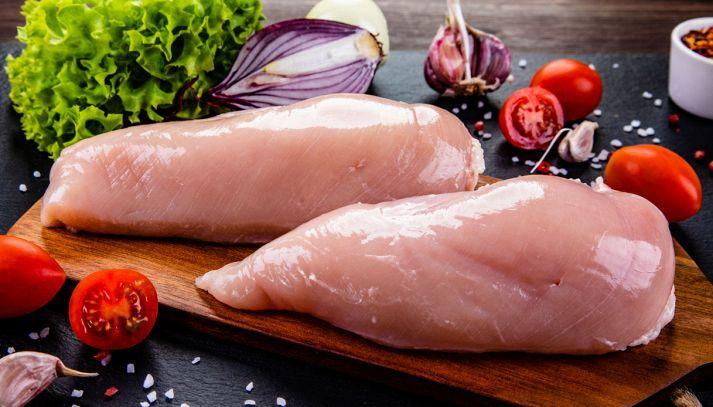 Carne di pollo, come eseguire la pulizia e perché