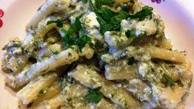 Pasta con pesto di asparagi e ricotta