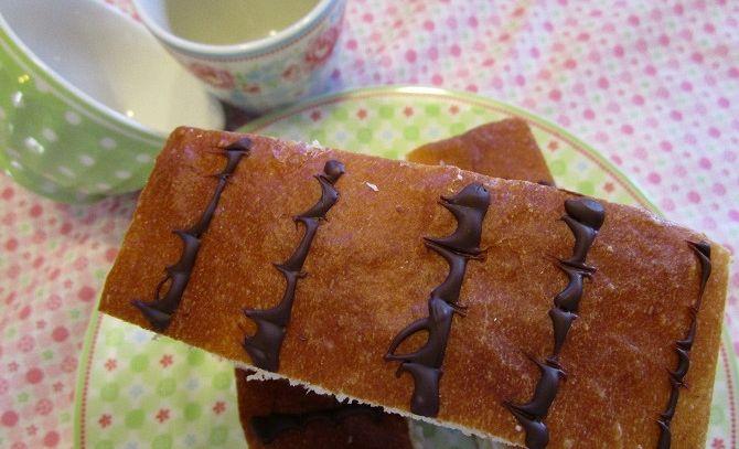 Brioches con crema vaniglia e panna