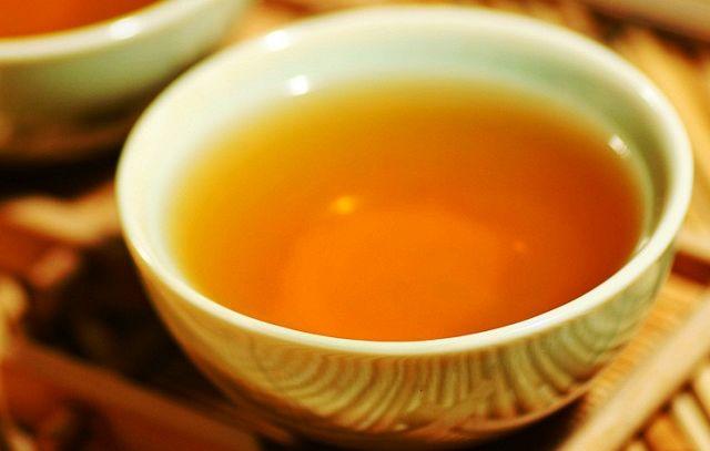 Il tè, ottimo dalla colazione a dopo cena