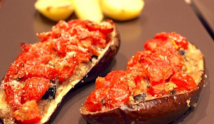Ricetta Melanzane Vegetariana.Ricetta Melanzane A Barchetta Vegetariane Light Le Ricette Di Buonissimo