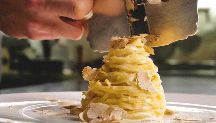 Pasta con gorgonzola al tartufo