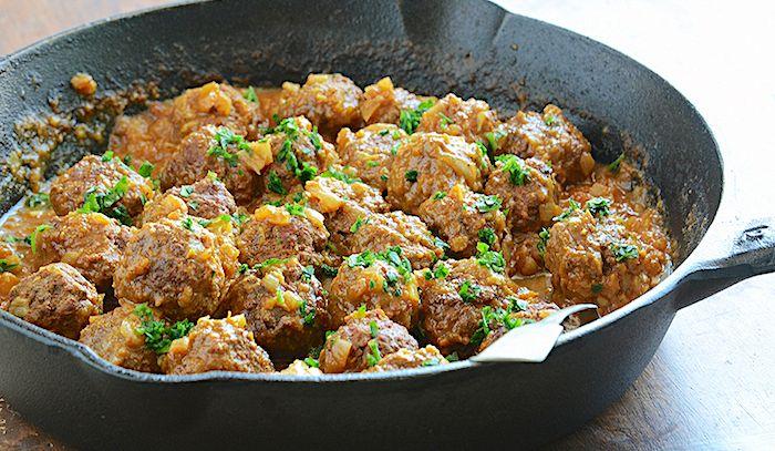 Polpette d'agnello in salsa al curry piccante