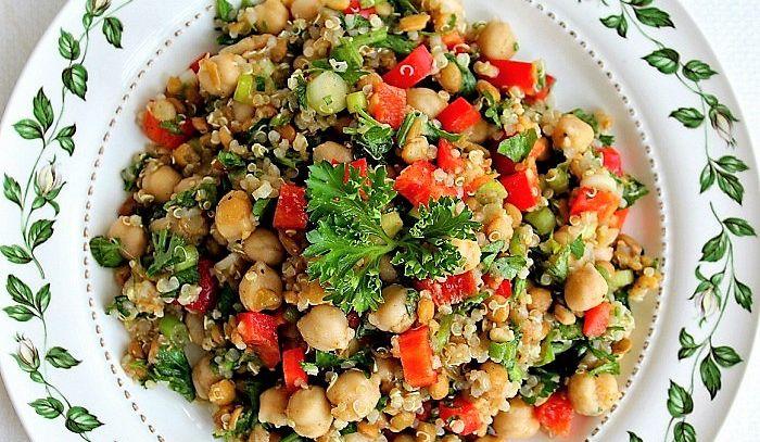 Ricetta Quinoa Con Tonno E Verdure.Ricetta Insalata Di Quinoa Olive E Ceci Le Ricette Di Buonissimo