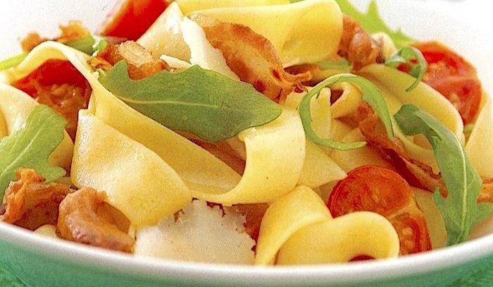 Pappardelle con pancetta e rucola