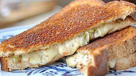 Sandwich piccante di formaggio alla maionese