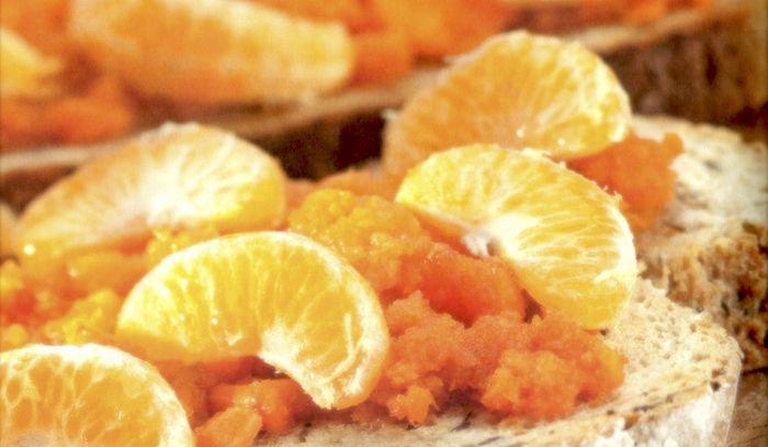 Bruschetta con carote e miele