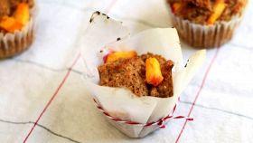 Muffins alle pesche, il dolce da forno per colazione