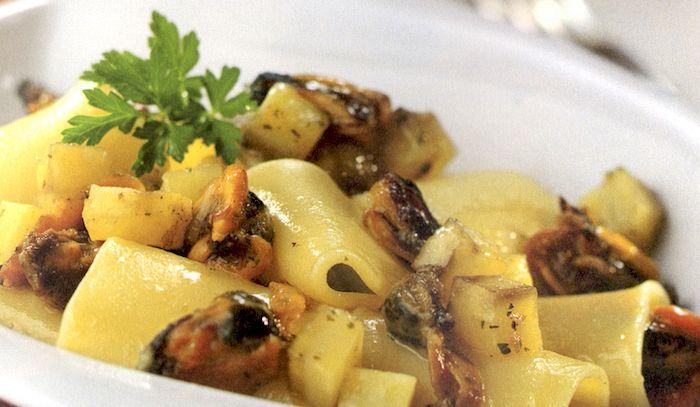 Paccheri con cozze e patate