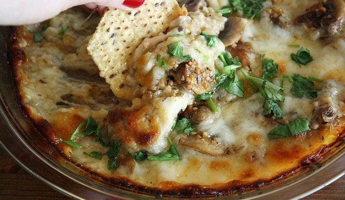 Pasticcio di aglio e funghi