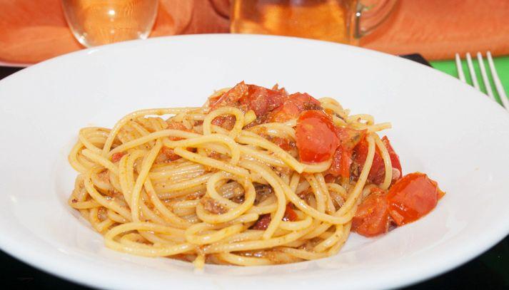 Spaghetti con le acciughe