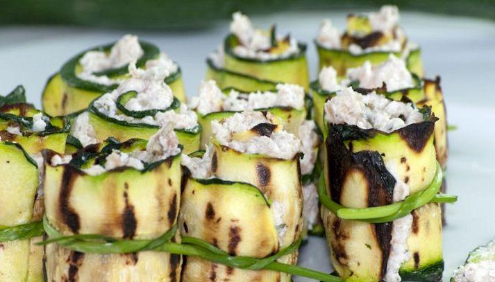 Rotolini di zucchine con prosciutto e formaggio