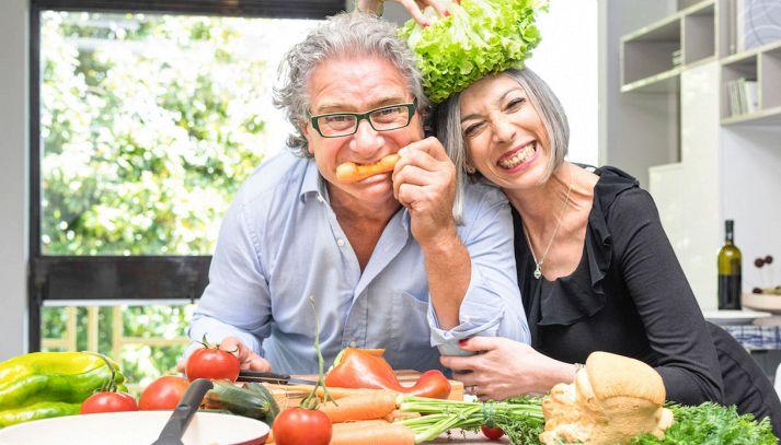 Come vivere bene dopo i 65 anni? Con la dieta corretta