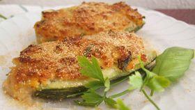Zucchine ripiene ai peperoni e ventresca