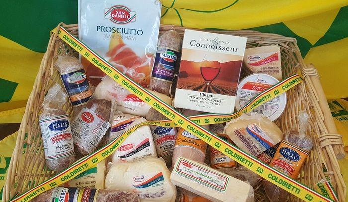 Quasi 6 milioni di kg di falso parmigiano prodotti in Canada