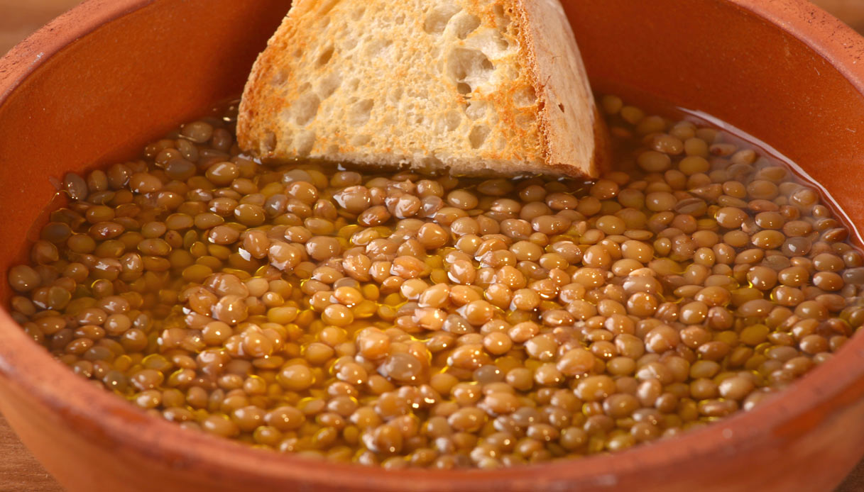 Ricetta Lenticchie Senza Pomodoro.Ricetta Lenticchie In Umido Le Ricette Di Buonissimo
