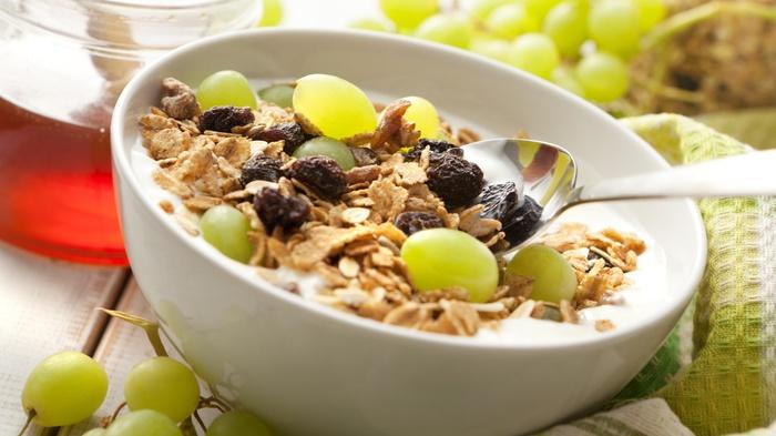 Cambio di stagione, i 12 alimenti alleati del buonumore