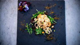 Insalata di mare con verdure in doppia cottura