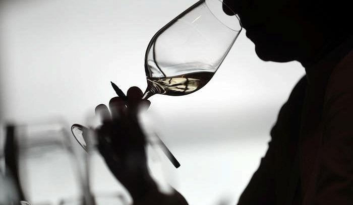 De Castro, non potrà dirsi vino italiano se con uve straniere