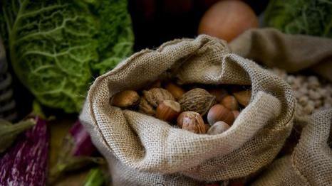 Enogastronomia: novembre in Granda fra porri, aglio e puciu