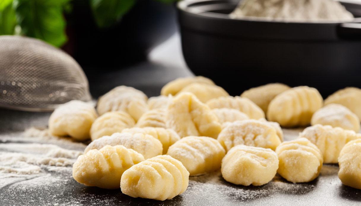 Gnocchi Di Patate Ricetta Originale.Ricetta Gnocchi Di Patate Fatti In Casa Le Ricette Di Buonissimo