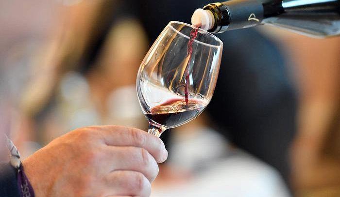Con un bicchiere di vino ridotta la probabilità di ricoveri