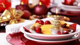 Tavola di Natale, come apparecchiare e decorare