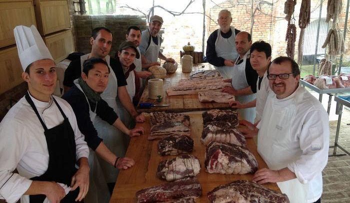 Dalle tradizioni contadine nasce nel parmense l'Università del maiale