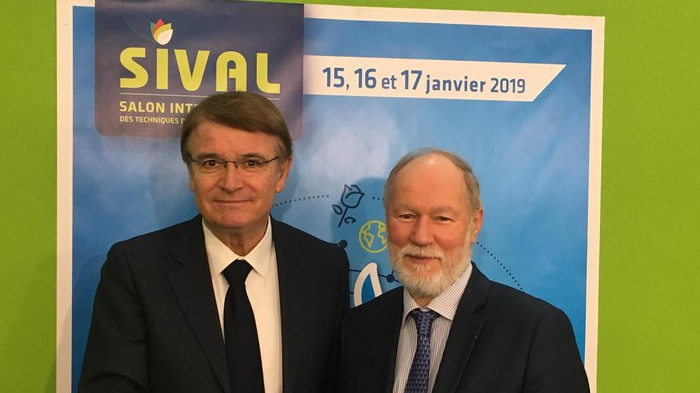 Macfrut stringe accordo con Sival e vola in Francia