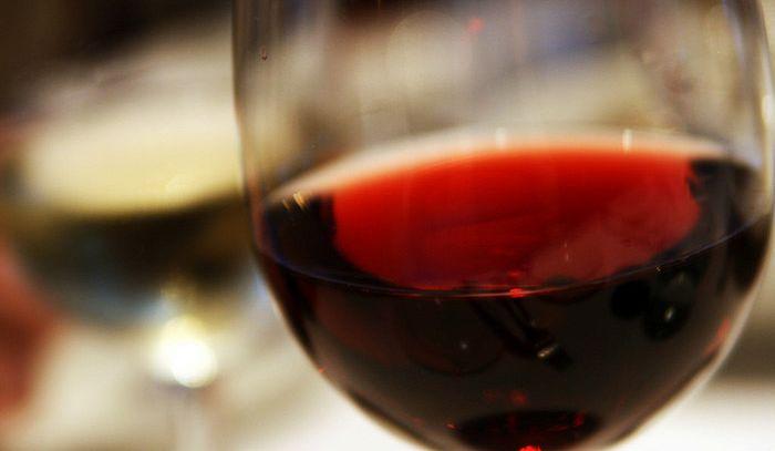 Vini rossi Dop, pareggio in derby export Italia-Francia