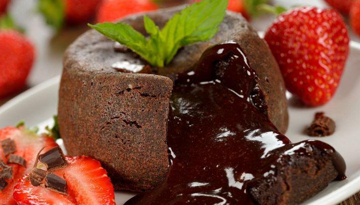 Torta al cioccolato con cuore morbido