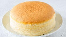 Una torta soffice come una nuvola e facilissima da preparare