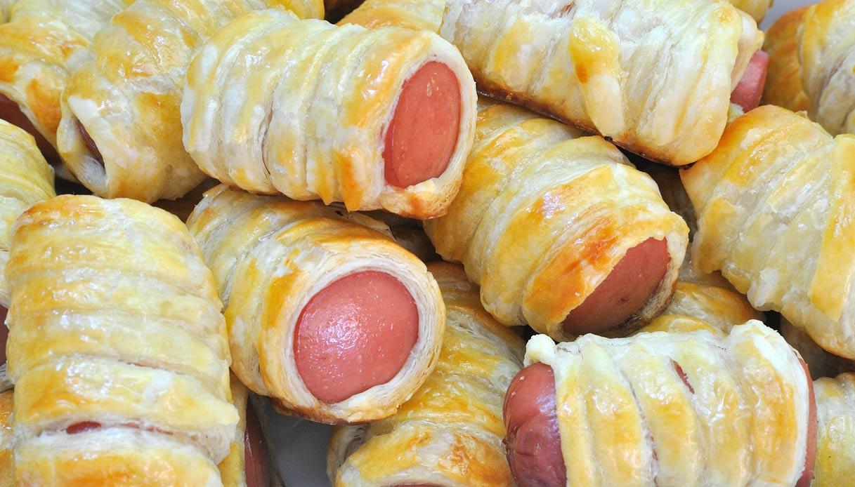 Molto Ricetta Stuzzichini veloci pasta sfoglia e wurstel - Le Ricette di XX76