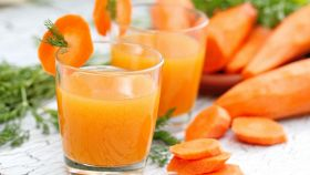 Frullato carote e lime, depurativo al massimo e pronto subito