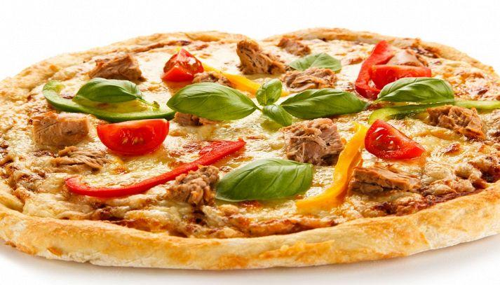 Pizza peperoni e tonno