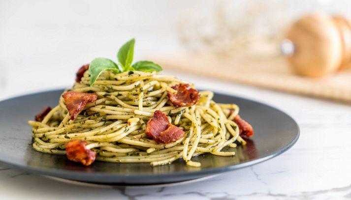 Pasta pesto di pistacchi e pancetta