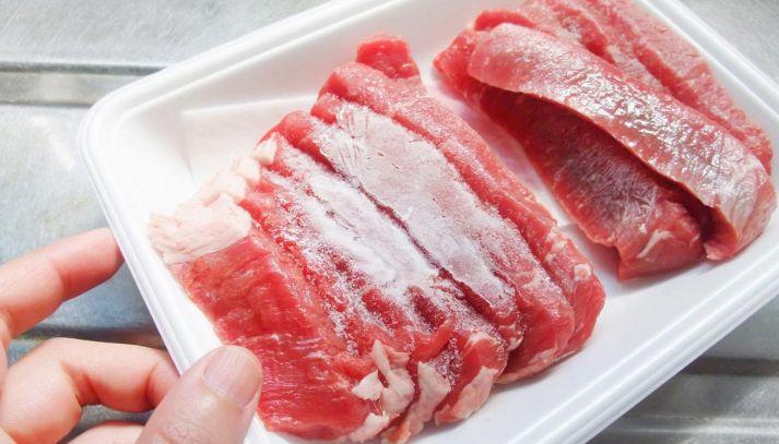 Come scongelare la carne e il pesce in modo facile e sicuro