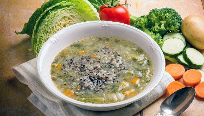 Minestra di verdure con quinoa