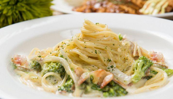 Pasta alla carbonara con broccoli